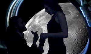 اطلب يد حبيبتكَ علىسطح القمر!