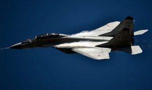 تحطم طائرة حربية بولندية ومقتل طيارها