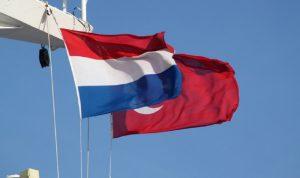 هولندا وتركيا تطبّعان علاقاتهما الديبلوماسية