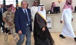 بالصور… المشنوق يصل إلى السعودية