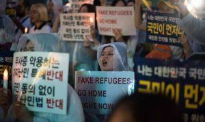 إزدياد طلبات اللجوء يدفع الكوريين الجنوبيين إلى الشارع