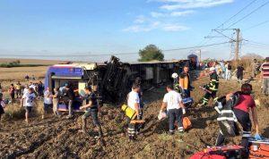 ارتفاع حصيلة حادث القطار في تركيا إلى 24 قتيلا