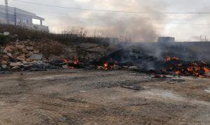 بالصور: حريق داخل باحة لتجميع قطع السيارات في يارون