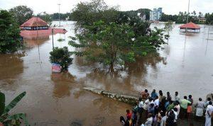 بالصور… فيضانات في الهند والقتلى بالعشرات