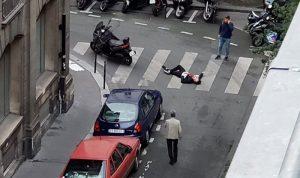 بالصور: حادث طعن في باريس… والمهاجم يقتل أمه وأخته