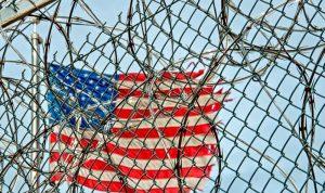 فيروس كورونا ينتشر بسجون الولايات المتحدة