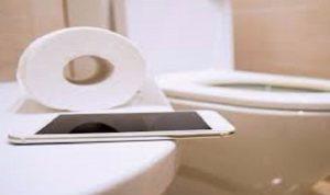 الهاتف الذكي أقذر من مقعد المرحاض!