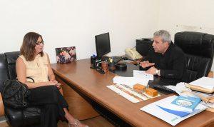 بزي عرض مع سفيرة قبرص العلاقات الثنائية