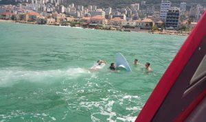 بالصور: إنقاذ شخصين من الغرق مقابل خليج جونية