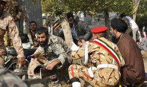 بالفيديو والصور: هجوم يستهدف عرضاً عسكرياً إيرانياً في الأهواز