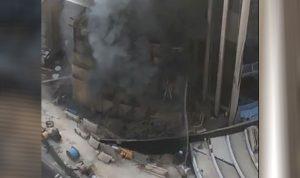 بالفيديو والصور: حريق ضخم في بنك الكويت