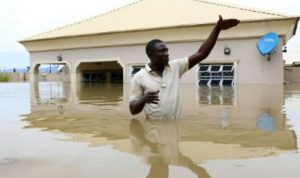 مصرع 200 شخص في الفيضانات بنيجيريا
