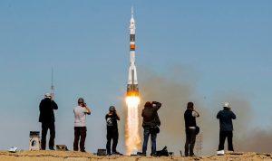 بالصور: رائدا فضاء يهبطان اضطراريا بعد تعطل صاروخ