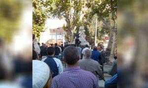 """بالفيديو والصور: مُتشدد يشوّه تمثال """"المرأة العارية"""" في الجزائر"""
