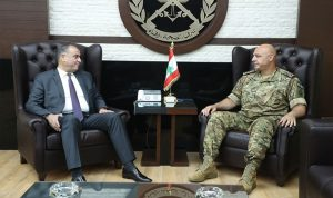 """قائد الجيش يبحث التطورات مع سليمان وقائد """"اليونيفيل"""""""