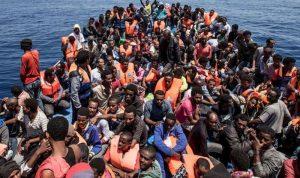 إصابة 12 عسكرياً مغربياً خلال منعهم مهاجرين من العبور