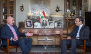 العلاقات اللبنانية – الأرجنتينية بين معوض والسفير الأرجنتيني