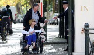 بالصور: طرد شقيقة ميغان ماركل من أمام القصر الملكي