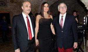 بالصور: جعجع وعقيلته في حفل عشاء بالبترون