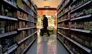 الغلاء يخنق اللبنانيين.. أسعار المواد الغذائية ترتفع 67%!