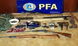 """بالصور: هذا ما عثرت عليه الشرطة الأرجنتينية مع مواطنين مرتبطين بـ""""حزب الله""""!"""
