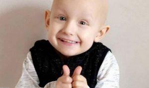 """قبل وفاته بساعات.. """"طفل السرطان"""" يعتذر لأمه"""