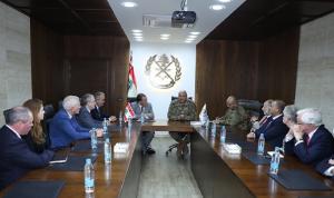قائد الجيش بحث مع جابر ووفد من مجلس العموم البريطاني في الأوضاع العامة