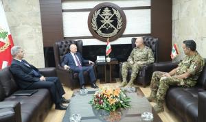 قائد الجيش عرض مع سفيري إيطاليا والأرجنتين علاقات التعاون