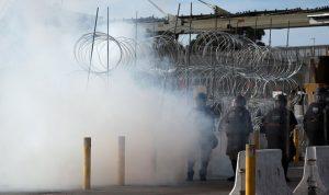 الحدود الأميركية المكسيكية متوترة.. وآلاف الطلاب ينتظرون!
