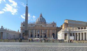 وصول مساعدات طبية من الصين إلى الفاتيكان