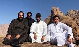 بالصور: ولي العهد السعودي مع عدد من الوزراء على قمة جبل اللوز