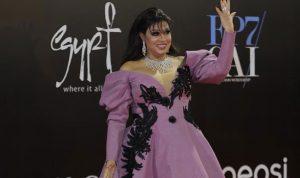 بالصور: فيفي عبدو تثير الضجة بسبب فستانها
