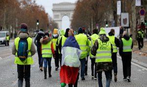 عدوى السترات الصفر تنتقل من فرنسا الى العالم