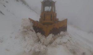 الثلوج تقطع طريق الهرمل سير الضنية وإقفال ميناء صور