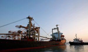 الحوثيون يسلمون ميناء الحديدة