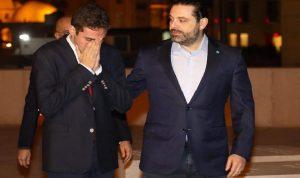 بالصور: حسام الحريري يغالب دموعه عند ضريح جدّه