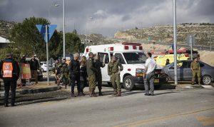 فلسطيني يسلم نفسه بعد أن طعن جنديا إسرائيليا