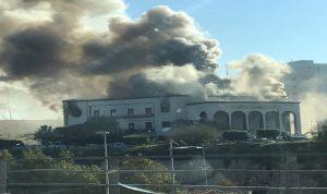 بالصور: هجوم انتحاري قرب وزارة الخارجية في ليبيا