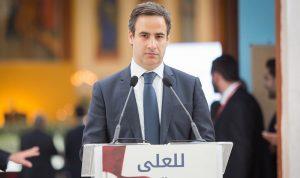 معوض زار البطريرك صفير في المستشفى: باق معنا مهما حصل