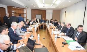 مشاريع قوانين للنقل العام والصرف الصحي على طاولة لجنة الأشغال