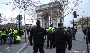 وزير داخلية فرنسا متّهم بالاغتصاب.. والاحتجاجات تعم البلد