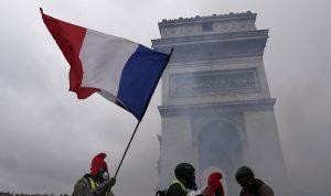 """هذه هي اقتراحات المعارضة الفرنسية لإخماد """"الثورة"""""""