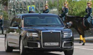 سيارة بوتين تثير اهتمام زعماء عرب
