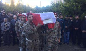 بالصور: جثمان الشهيد يزبك من مستشفى دار الأمل الى بلدته نحلة