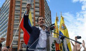 غوايدو يدعو الجيش إلى الانشقاق عن حكومة مادورو