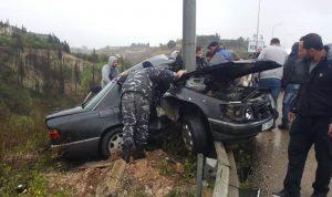 إصابة شخصين بحادث سير على طريق البيسارية