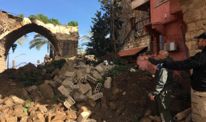 """انهيار أجزاء من مبنى سينما """"أمبير"""" في صور"""