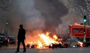 """أعمال عنف ومواجهات بين الشرطة و""""السترات الصفر"""""""