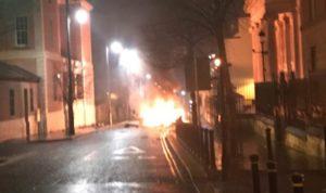 انفجار عبوة ناسفة في سيارة بأيرلندا الشمالية