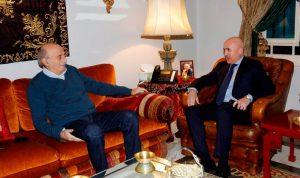 جنبلاط عرض وسفير الأرجنتين التطورات السياسية